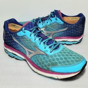 Mizuno Womens Size 9 Wave Rider 18 Running Shoes